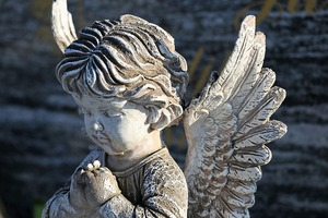 angel-statue-4386844_640