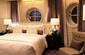 船の船室の窓