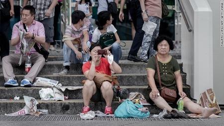 131003132230-chinese-tourists-hong-kong-horizontal-gallery