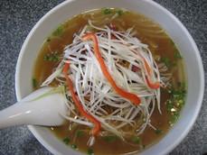 香港式豚肉と葱入り湯麺�