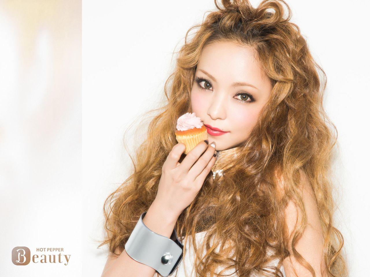 最新のヘアスタイル 安室奈美恵 髪型 画像 : 安室奈美恵のアルバムが驚異的 ...