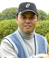 ゴルフで岡田監督が来期V宣言!