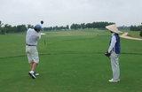 広い、ひろ〜いゴルフ場