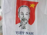 このTシャツ日本で着る勇気ある?