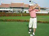 台湾ゴルフ場でナイスショット