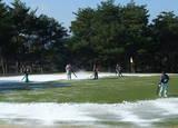 グリーンの除雪作業