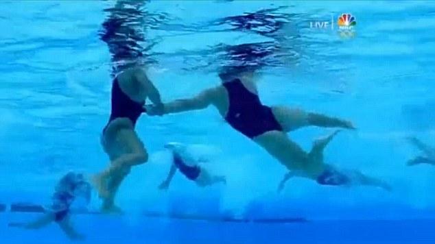 vodnoe-polo-zhenshini-erotika