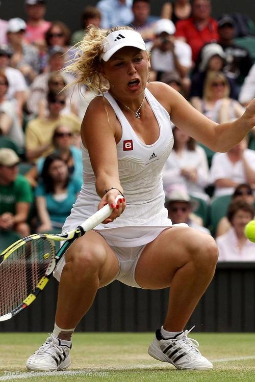 Caroline Wozniacki - upskirt wta championships (7)