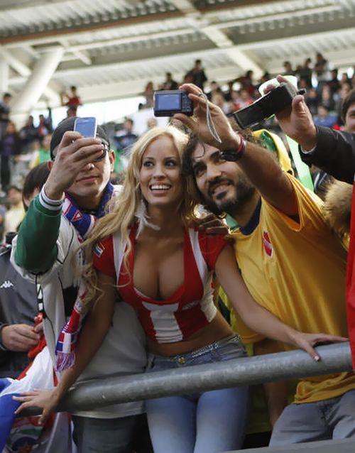 Paraguay Fans - Copa America 2011 (17)
