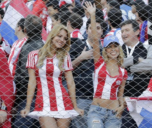 Paraguay Fans - Copa America 2011 (6)