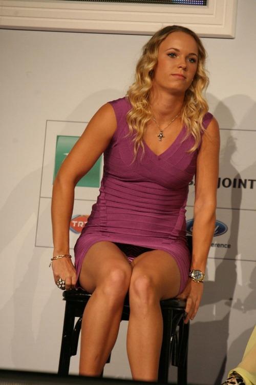 Caroline Wozniacki - upskirt wta championships (2)