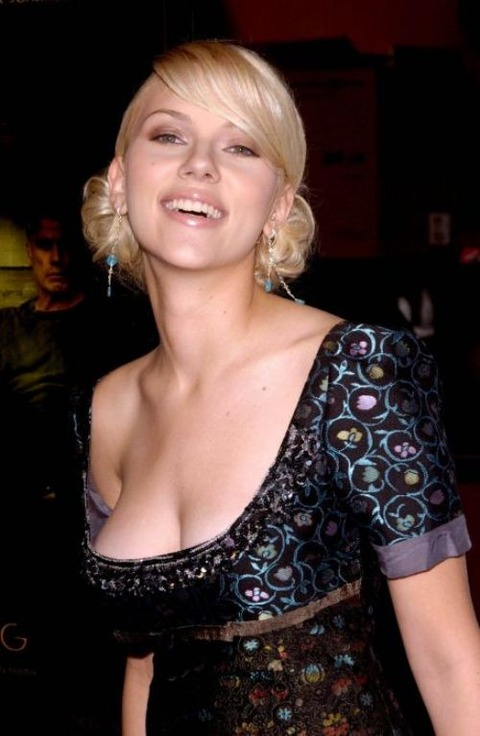 celebrity-downblouse-sexy-15