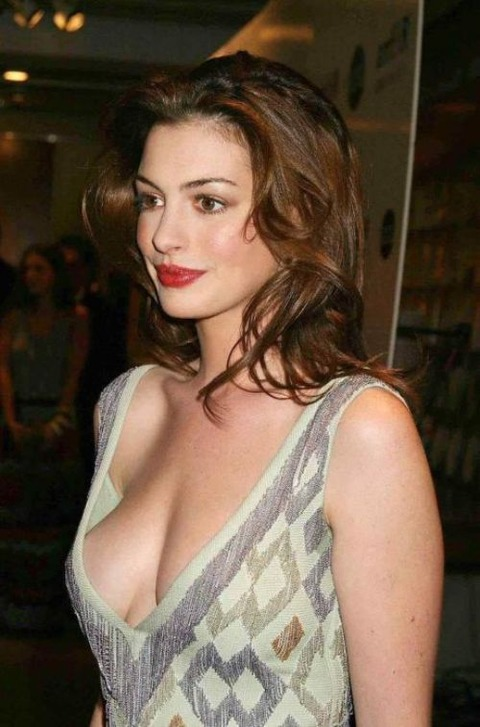 celebrity-downblouse-sexy-21