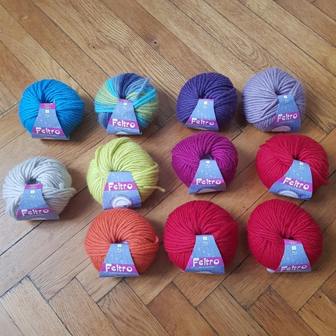 毛糸11個
