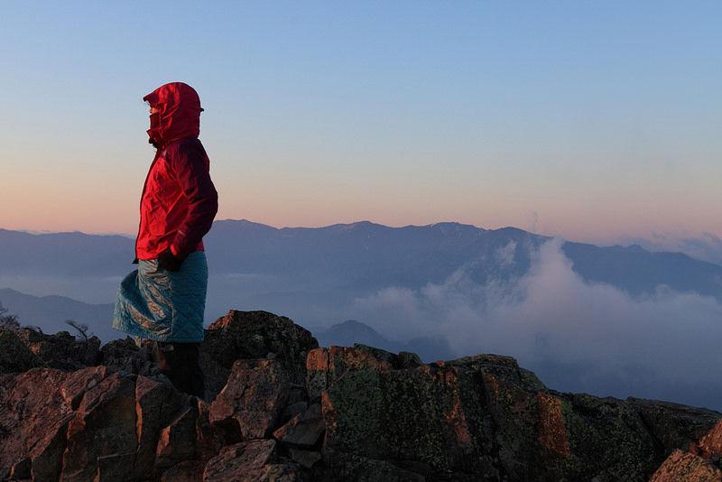 女登山ノート : 御座山で朝焼け
