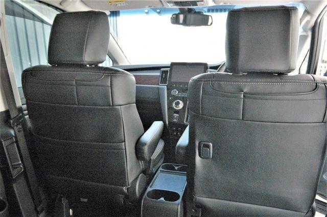 D5 シート カバー デリカ 子育て中のご家庭には、新車時のシートカバー取り付けがオススメ!