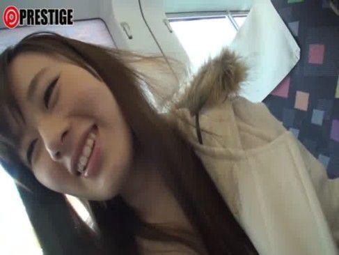【車内 ナース】ナース、上野莉奈のsexH無料動画。上野莉奈が電車内やナースでエッチな・・公共の場プレーからホテルでスローSEXまでw[1/4]