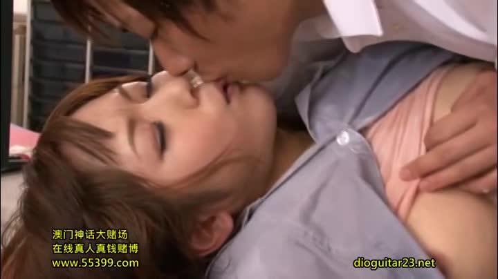 【麻倉憂潮ふき動画】OL、麻倉憂の母乳H無料動画。麻倉憂 美人OLが同僚とファックしていると感じてきちゃいおっぱいから母乳がぴゅーぴゅー飛び出ちゃうエロさがいい