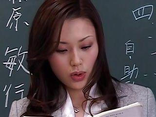 【女教師の潮ふき・オナニー動画】淫乱の女教師、松野ゆいのH無料動画。【松野ゆい】美女女教師、とんでもない淫乱女だった!ヘンリー塚本監督。