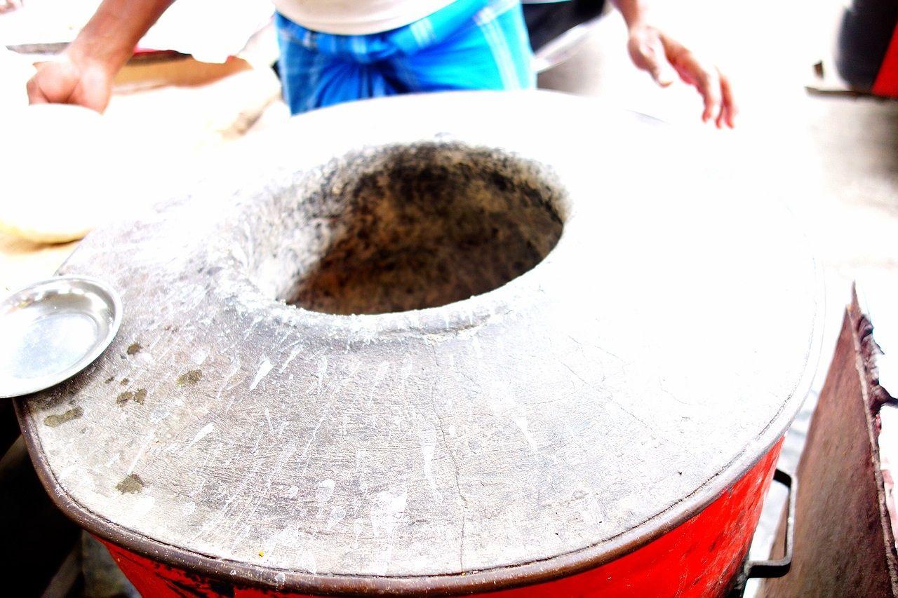 屋台の調理光景