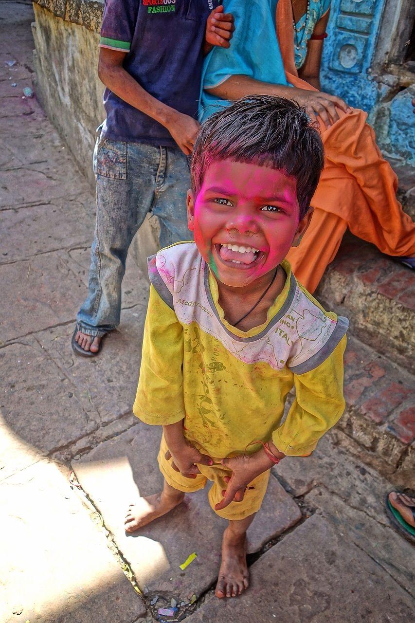 ホーリー祭(バラナシ)子供