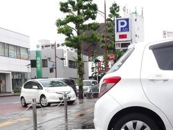 100円笑店街01