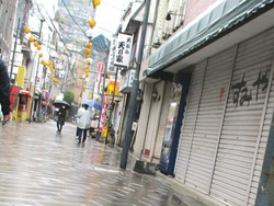駅前商店街01