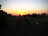 朝日とテント
