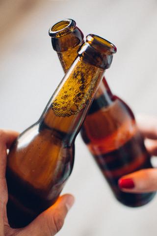 勇者「え!? ビール瓶で魔王を倒せ!?」