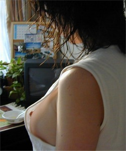 素人っぽいエロい女の子の着衣おっぱい画像 part4