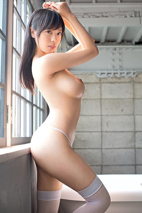 001-藤井有彩-01