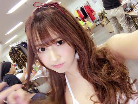 三上悠亜-Twitter-161110-pic