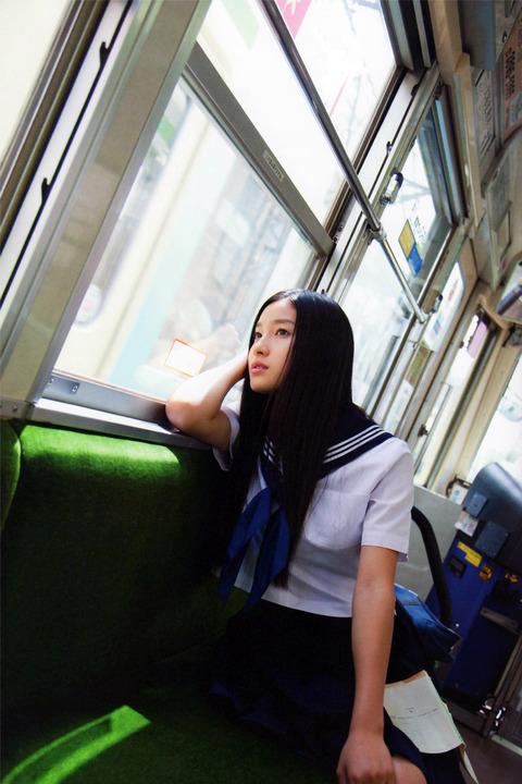 土屋太鳳-gravure-01