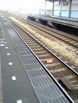 朝の電車待ち.jpg
