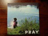 PRAY表紙