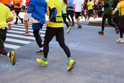 マラソンヒールストライク