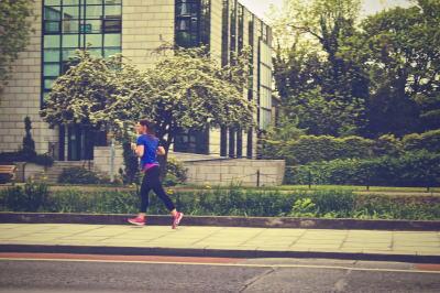 マラソントレーニング女性