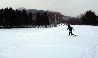 雪上ランすっころび