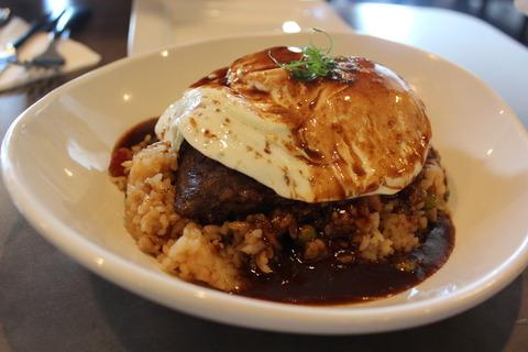 14年GWハワイ〜ドライブ日の朝食はMoena CAFEのショートリブロコモコ♪
