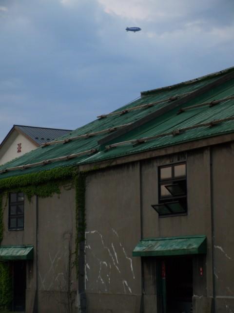飛行船@小樽運河上空