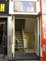 ビル1階入口