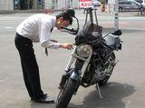 買取バイク確認中