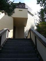階段を上り・・・