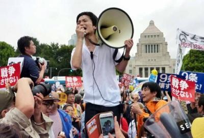 SEALDs0815e