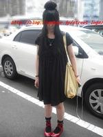 20歳靴屋店員さん_1