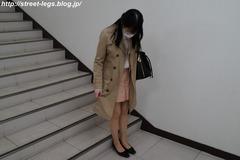 就活本を買いに来た大学生3年生の子_01