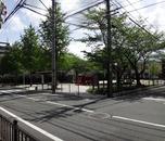 団地の前の公園