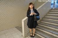 入学式後の大学生の子_02