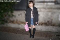 カラオケバイトの子_01