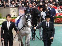 20151129 東京11R ジャパンカップ(G1) 05